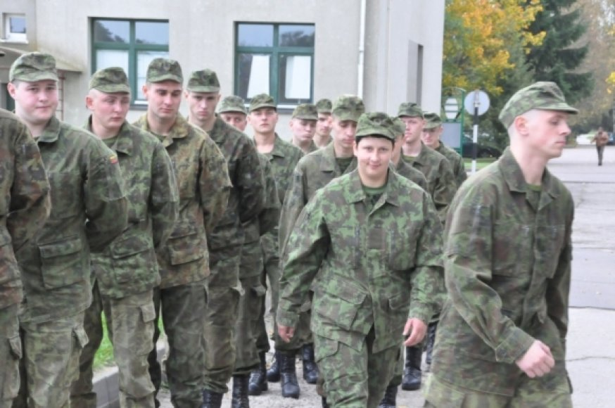 Bazinius karinius mokymus Lietuvos didžiojo etmono Jonušo Radvilos mokomajame pulke pradėjo 56 naujokai.