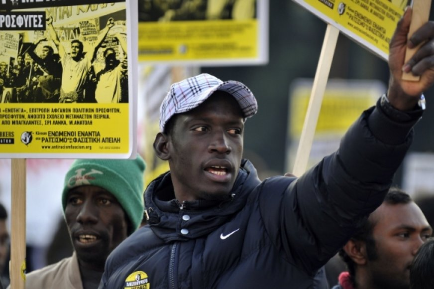 Į Europą plūsta įvairių tautybių ir rasių migrantai.