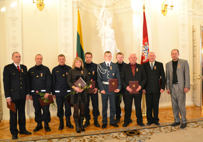 Prezidentės apdovanoti gelbėtojai
