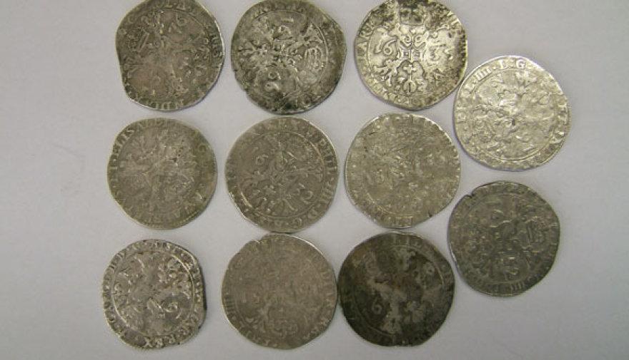 Pašto siuntoje rasti senoviniai pinigai