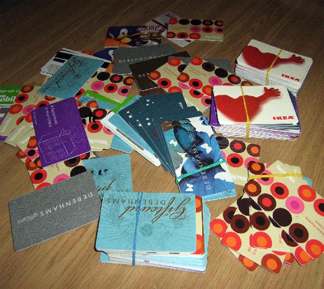 Vilniaus policijos konfiskuotos netikros banko kortelės