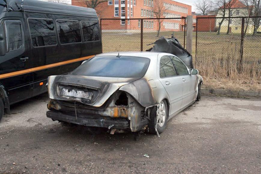 Klaipėdoje sudegęs automobilis