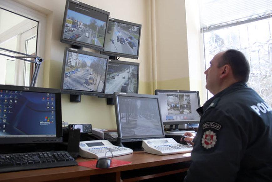 Policininkas stebi Druskininkų gatves