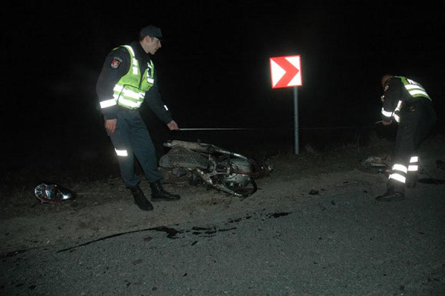 Policija matuoja avarijos vietą