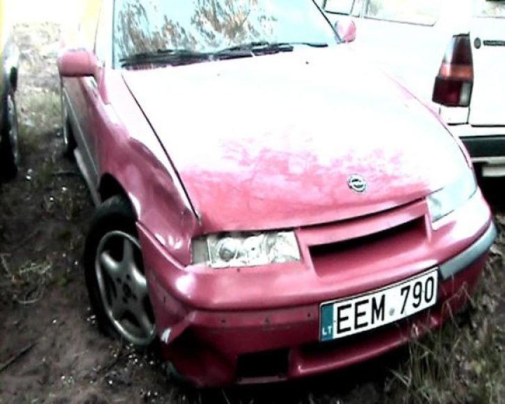 Apgadintas automobilis