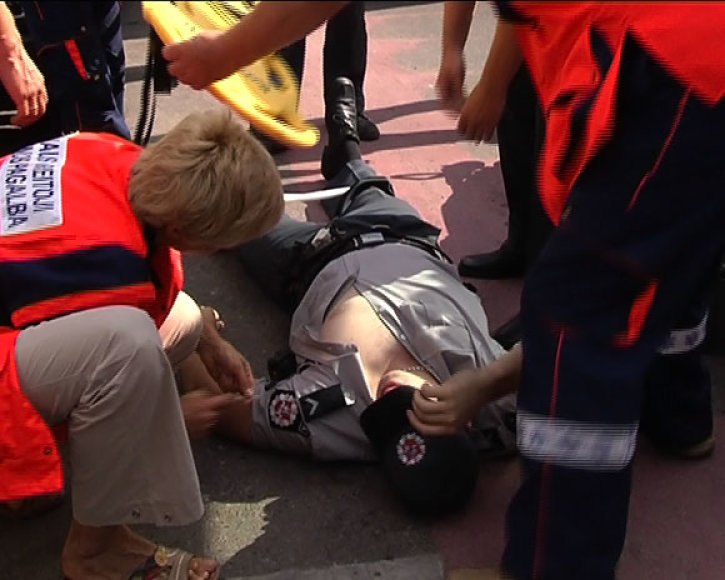 Per incidentą policininkas buvo sužalotas