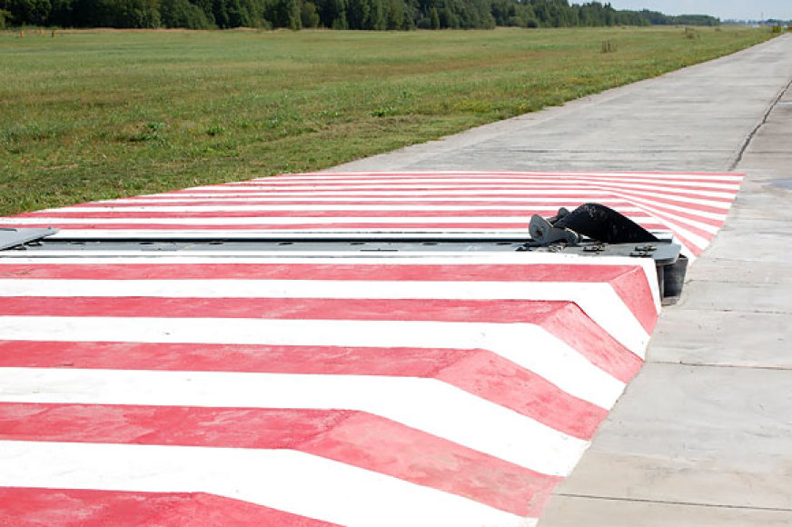 Nauji įrengimai Šiaulių aviacijos bazėje