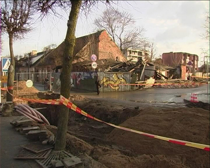 Pakruojyje sugriuvęs namas