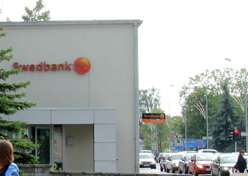 Jei ne budrūs šio banko filialo darbuotojai, pensininkė iš Ukmergės būtų praradusi 4 tūkst. litų