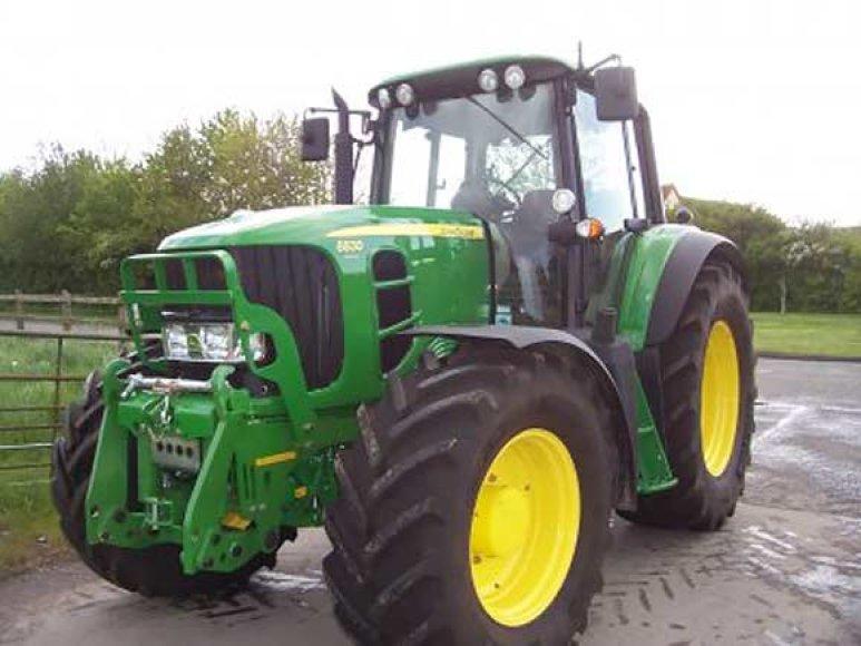 """Pavogtas traktorius """"John Deere 6830"""""""