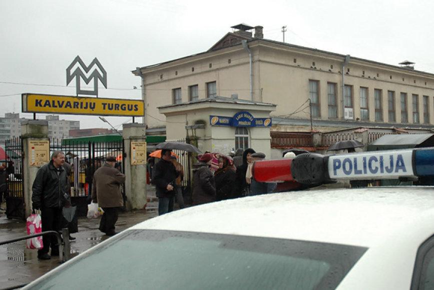 Policija prie Kalvarijų turgavietės