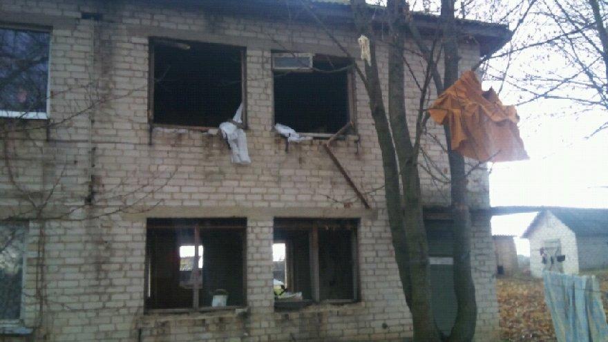 Per sprogimą išdužo namo langai