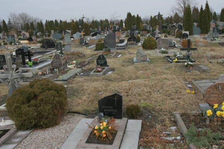 Klaipėdos savivaldybė pasirašė sutartį, pagal kurią pinigai bus skiriami ir atpažintų mirusių asmenų laidojimui.