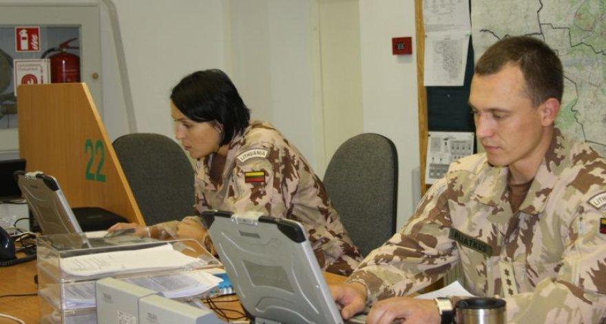 """Rengdamiesi misijai Afganistane kariai dalyvauja pratybose """"PAG–12 iššūkis""""."""