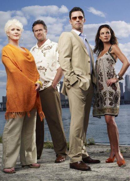 """Į kultinių serialų laiką sugrįš """"Vilko bilietas"""" (Burn Notice) su jau trečiuoju sezonu, pakeisdamas besibaigiančius """"Liudininkus""""."""