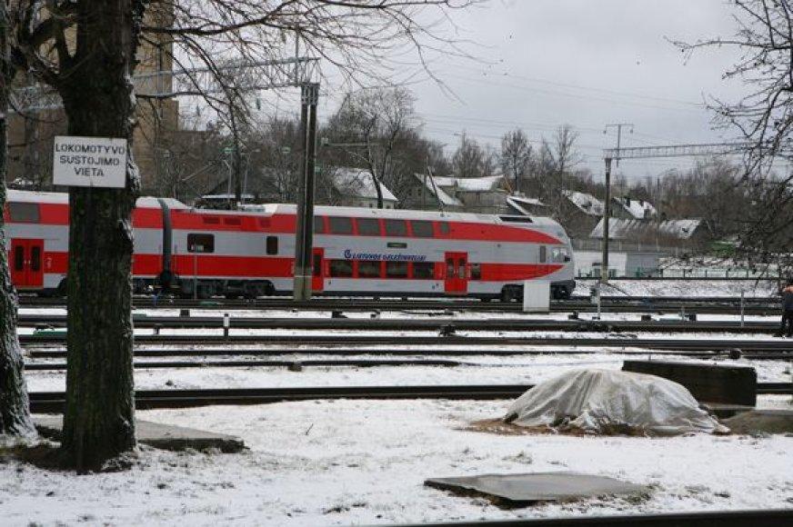 Moderniame dviaukščiame traukinyje įrengta daugiau kaip 300 sėdimų vietų, iš kurių dešimtadalis yra pirmos klasės.