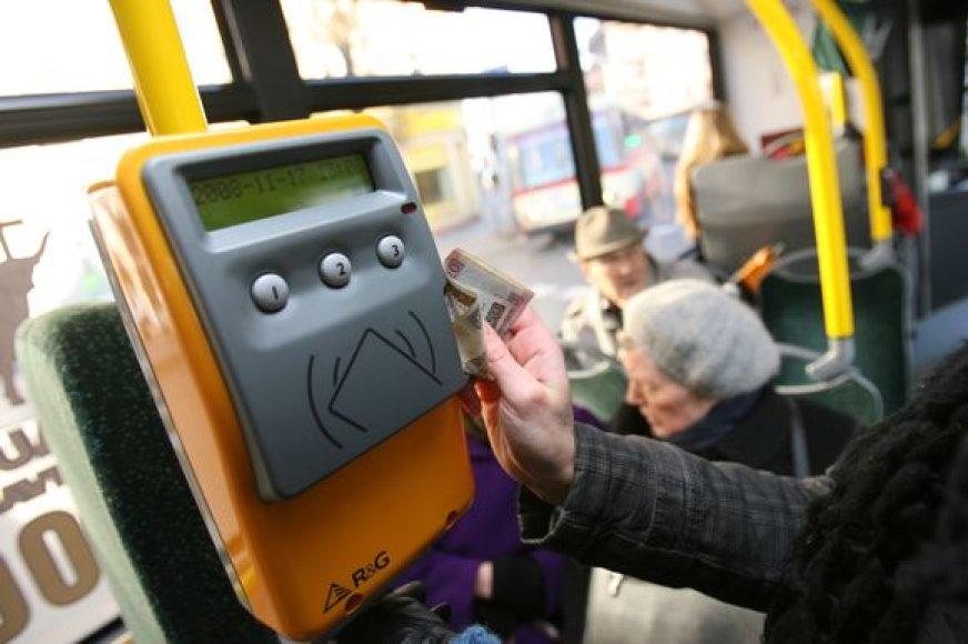 Nauja serija vienkartinių bilietų, tinkamų naudoti Kauno miesto autobusuose ir troleibusuose, išleista nuo sausio 1 dienos.