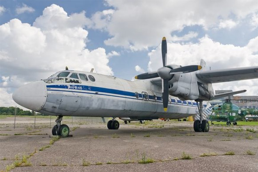 Taip atrodo lėktuvo AN-24 modelis.