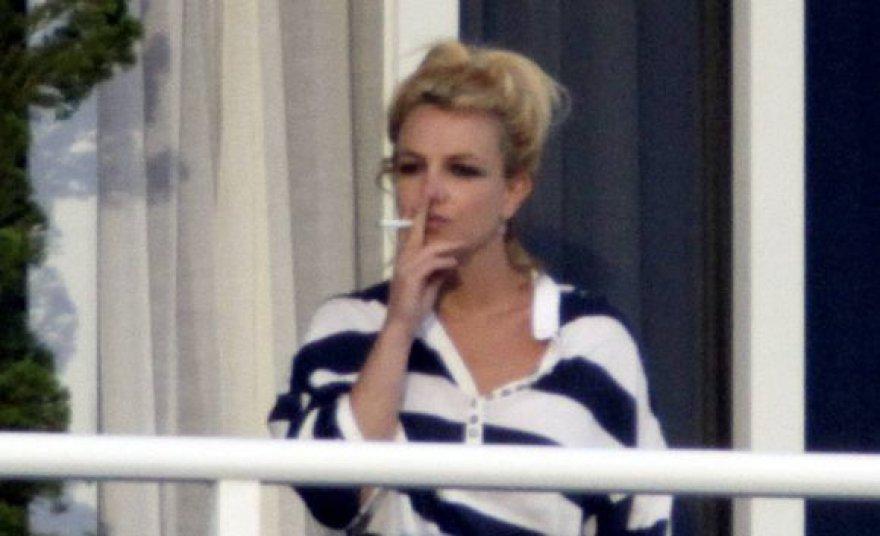 Britney Spears vieno Majamio viešbučio balkone