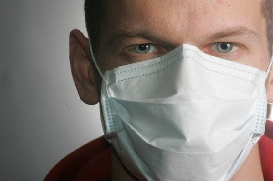 Sergantieji vadinamuoju kiaulių gripu ir juos slaugantys asmenys turi dėvėti medicinines kaukes.