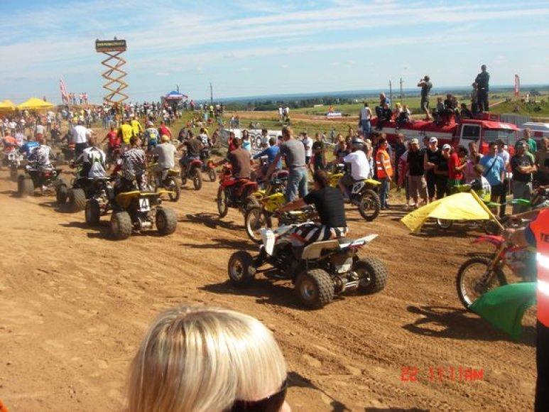 Kyviškių motokroso trasoje vyko tarptautinės motokroso varžybos.