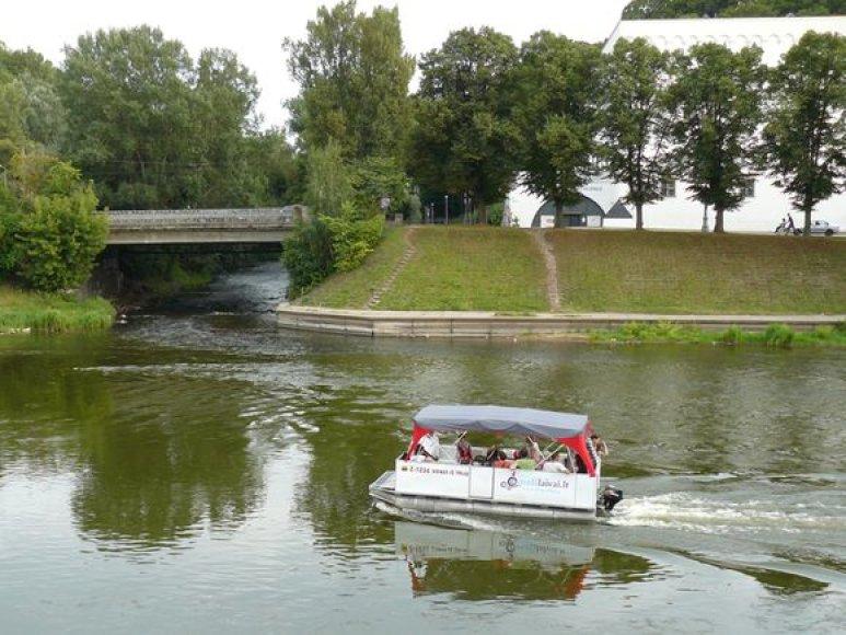 Pramoginė laivyba Nerie upe