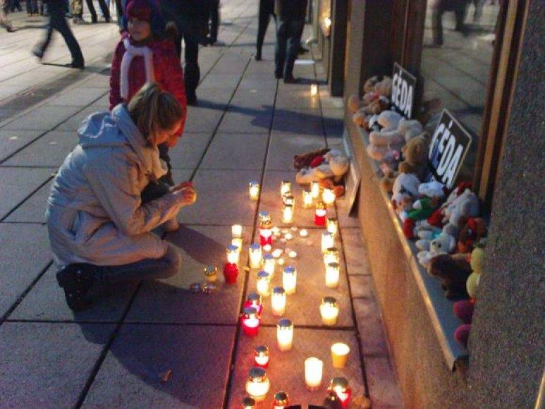 Drąsiaus Kedžio palaikymo akcija prie Kauno apygardos prokuratūros pastato.