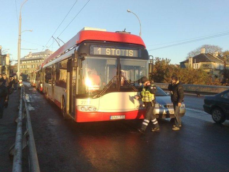 Plikledis sujaukė ir viešojo transporto darbą.