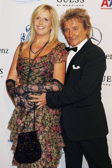 Rodas Stewartas su žmona Penny Lancaster