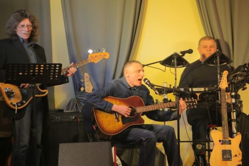 Olegas Zacharenkovas su grupe