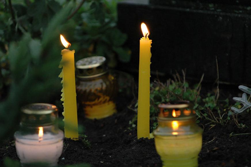 Žvakutės kapinėse, Kaišiadorių rajone