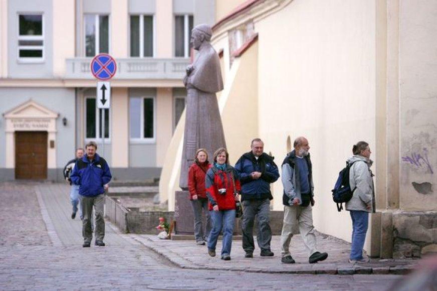 Nors vokiečiai jau ne pirmus metus yra dažniausiai Kaune besilankantys turistai, juos sparčiai vejasi vis dažniau į laikinąją sostinę užsukantys ispanai.
