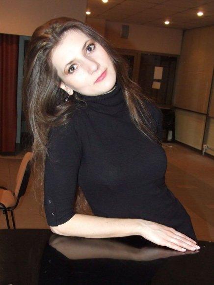 """""""Svajojau sukurti Violetos vaidmenį Klaipėdoje – mieste, kuriame užaugau"""", – teigė Viktorija Stanelytė."""