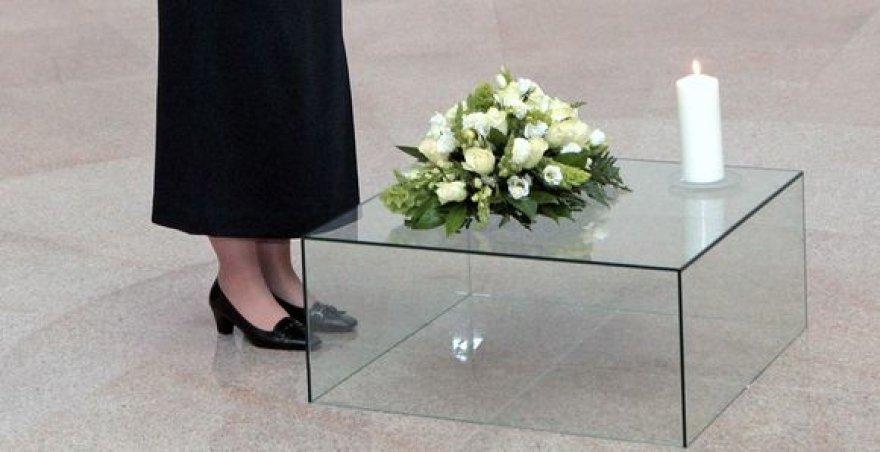 Genocido aukų pagerbimas Tuskulėnų kolumbariume.