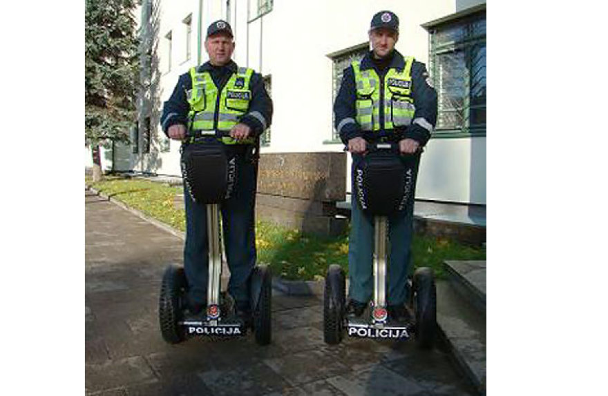 Policijos pareigūnai viešąją tvarką prižiūrės važiuodami riedžiais.