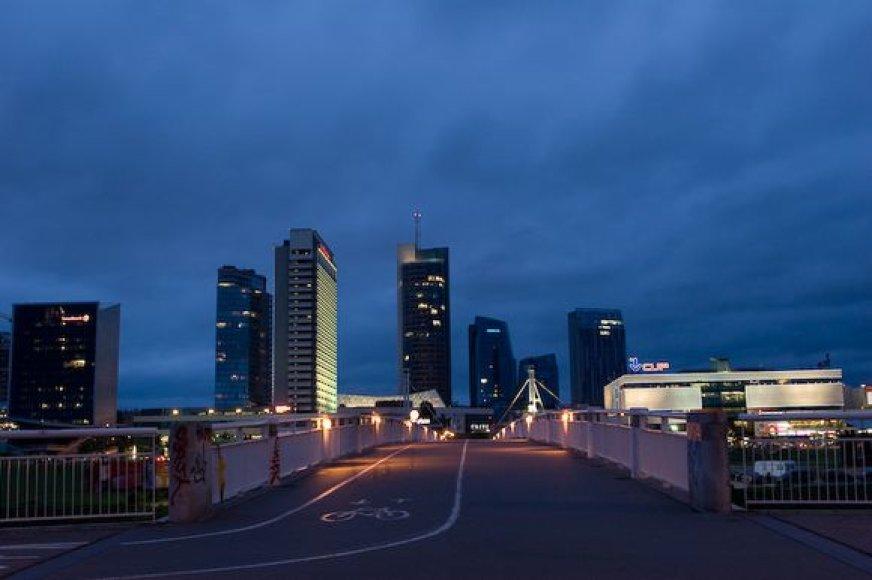 """vilniečiai ir miesto svečiai rinksis prie Baltojo tilto stebėti tiesioginės """"Eurovizijos"""" pusfinalio transliacijos."""