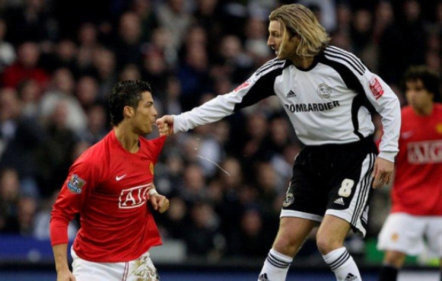 Ronaldo spjūvis varžovo link