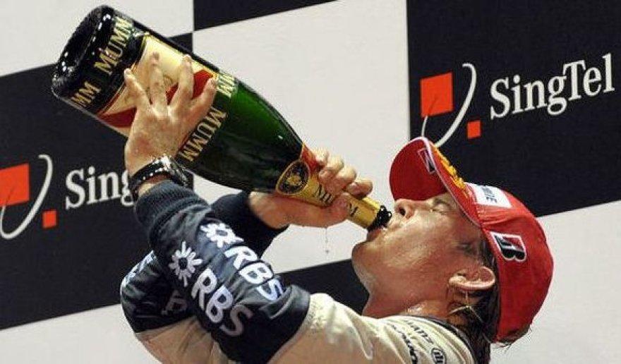 Po finišo galima ir šampano...