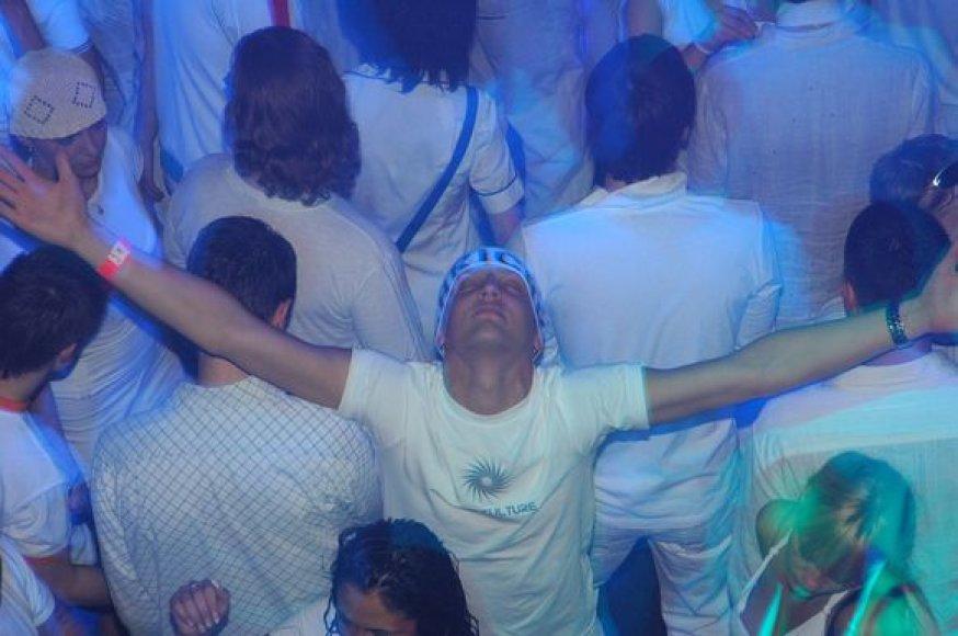 """Festivalis """"PURE FUTURE WHITE"""""""