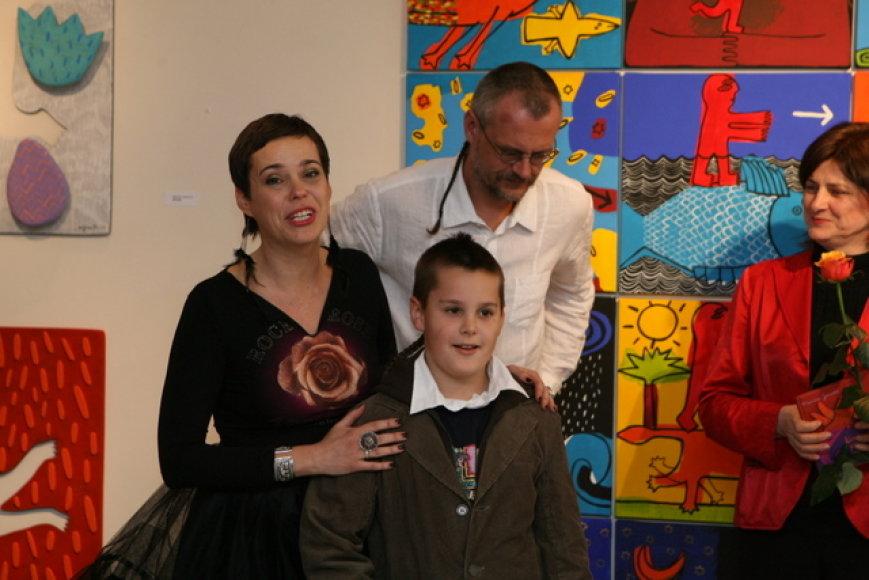 Nomeda Marčėnaitė su vyru Mariumi Jonučiu ir sūnumi Titu