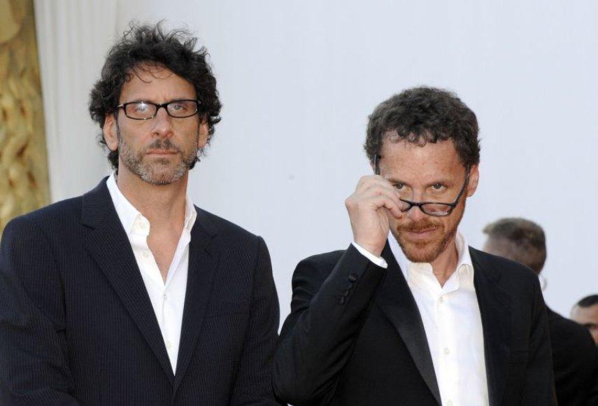 """Filmo """"Perskaityk ir sudegink"""" premjera Venecijos kino festivalyje. Režisieriai broliai Coenai"""