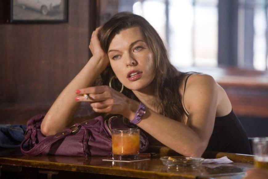 "Milla Jovovich filme ""Stounas"""