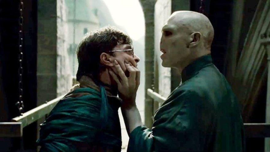"""Filmas """"Haris Poteris ir mirties relikvijos 2"""""""