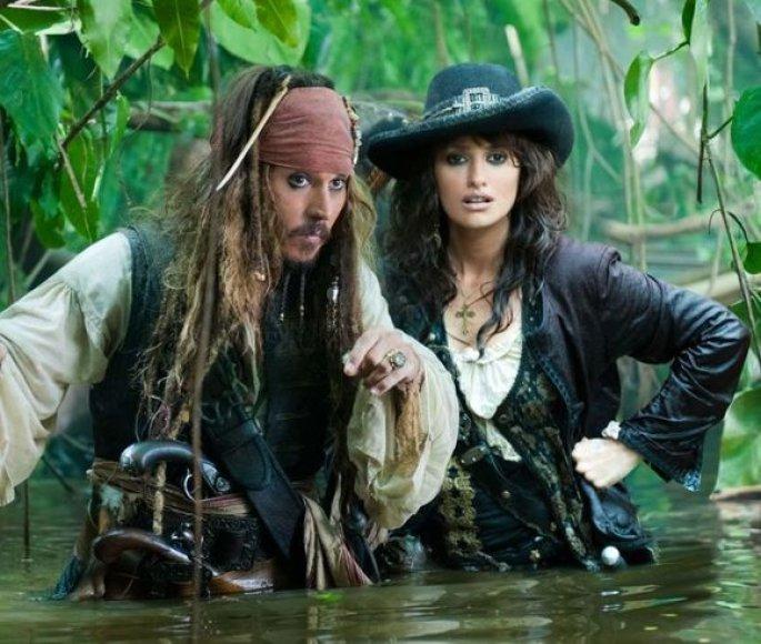 """Filmas """"Karibų piratai: ant keistų bangų"""""""