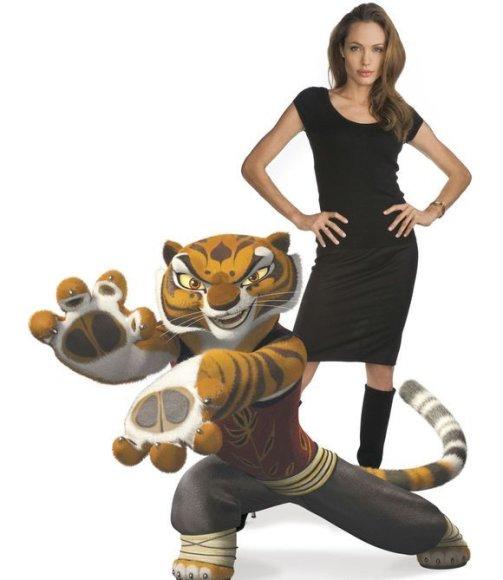 Angelina Jolie įgarsino kovinę Tigrę