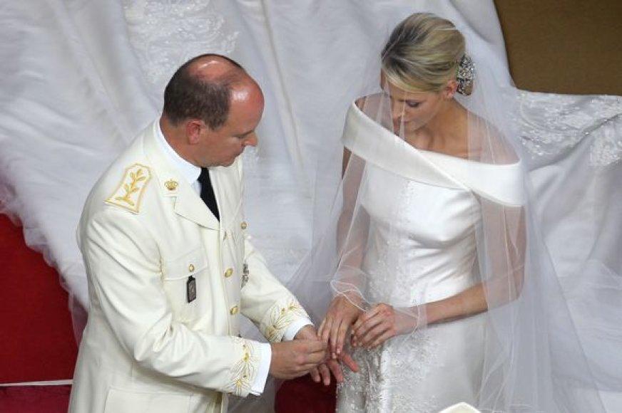 Monako princas Albertas ir jo išrinktoji Charlene Wittstock