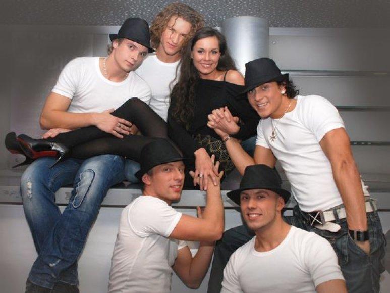 K.Navickaitė ir šokėjai