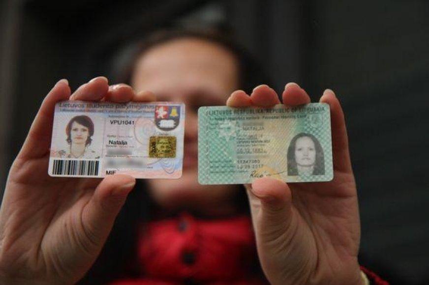Studento pažymėjimas ir asmens tapatybės kortelė