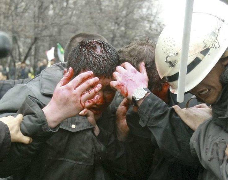 Padėtis Kirgizijoje tampa vis mažiau kontroliuojama.