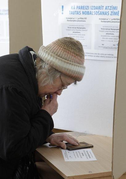Latvijoje – istorinis referendumas.